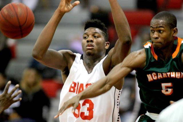 No. 17 Jr Center Zach Brown Commits To St Johns