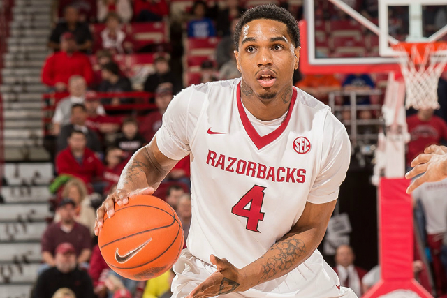 Arkansas' Coty Clarke Signs In Russia