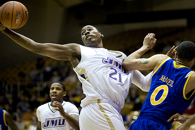James Madison's Denzel Bowles Signs In Dubai