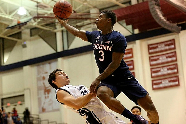 UConn Star Frosh Alterique Gilbert Out For Year