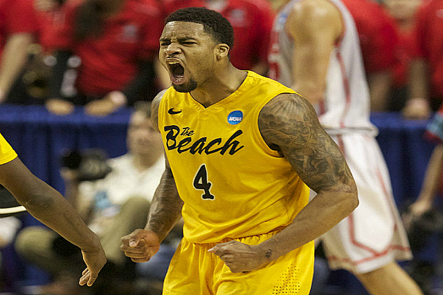 Long Beach St's Phelps Scores 30 In Puerto Rico